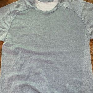 Men's lululemon metal tech vent t-shirt